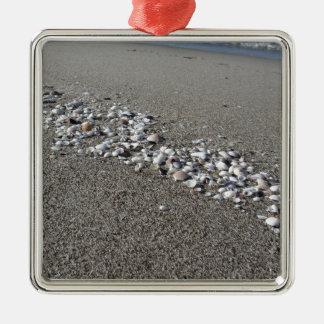 Ornamento De Metal Os Seashells no verão da areia encalham a opinião