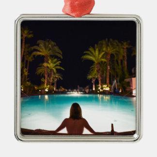 Ornamento De Metal Palmas, piscina, mulher e cerveja…