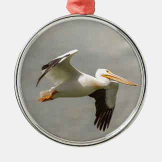 Ornamento De Metal Pelicano em vôo