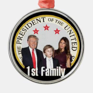 Ornamento De Metal Primeira família do TRUNFO