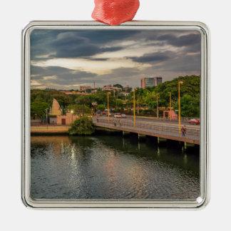 Ornamento De Metal Rio Guayaquil Equador de Estero Salado