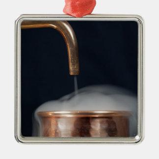 Ornamento De Metal tubulação de cobre de uma destilaria com vapor