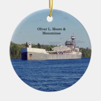 Ornamento de Oliver L. Moore & do Menominee