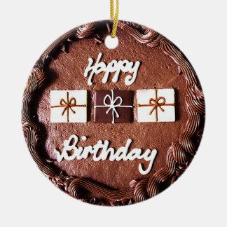 Ornamento do bolo de aniversário do chocolate