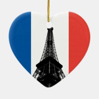Ornamento do coração da torre Eiffel