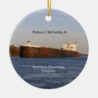 Ornamento do Jr. de Walter J. McCarthy