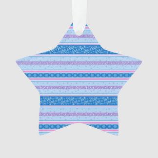 Ornamento Flocos de neve e estrelas. Teste padrão do ano