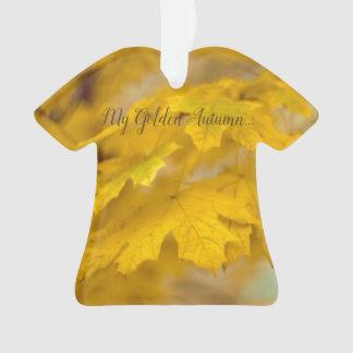 Ornamento Folhas de bordo amarelas do outono. Adicione-o