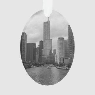 Ornamento Grayscale de Chicago River da torre do trunfo