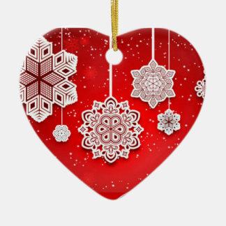 Ornamento intrincado do coração dos flocos de neve