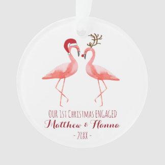 Ornamento O primeiro Natal contratado ou casou flamingos