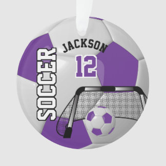 Ornamento O roxo e o branco personalizam a bola de futebol