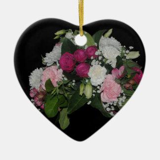 Ornamento preto do coração da flor