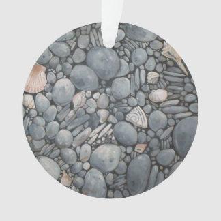 Ornamento Rio das rochas dos seixos da praia