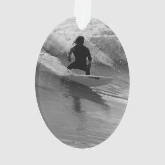 Ornamento Surfando o Grayscale das ondas