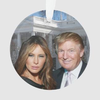 Ornamento Um Natal do trunfo: Donald e Melania