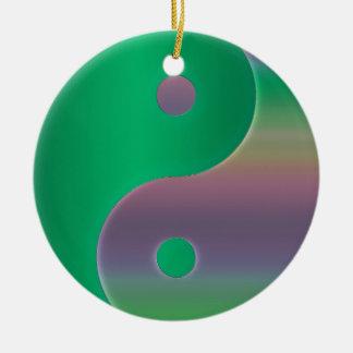 Ornamento verde multicultural do feriado de