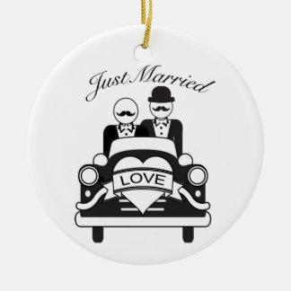 Ornamento Wedding personalizado recem casados LGBT