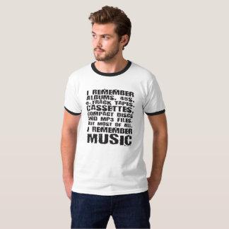 Os álbuns, 45s, 8-Track gravam a camiseta do fan