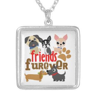 Os amigos Furever perseguem filhotes de cachorro Colar Com Pendente Quadrado