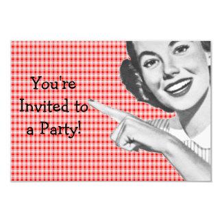 os anos 50 que apontam a jovem mulher V2 Convites Personalizados