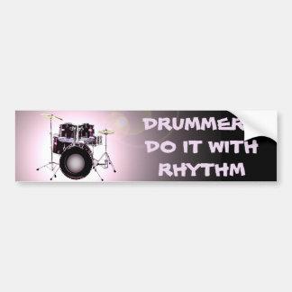 Os bateristas fazem-no com ritmo adesivo para carro