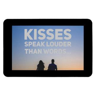 Os beijos falam mais ruidosamente do que palavras ímã
