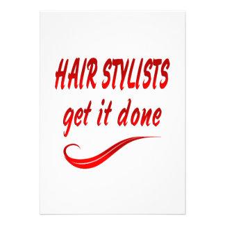 Os cabeleireiros obtêm-no feito convites
