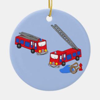 Os carros de bombeiros vermelhos do bombeiro ornamento de cerâmica redondo