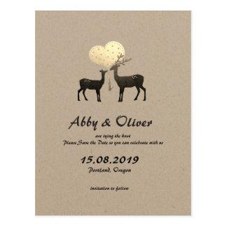 Os cervos da floresta do amor dos cervos salvar a cartão postal