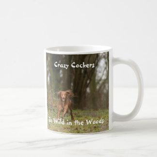 Os Cockers loucos vão selvagens nas madeiras Caneca De Café
