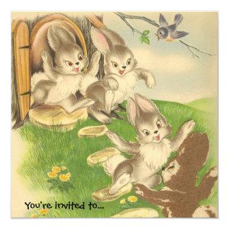 Os coelhos saem jogar o convite de festas da