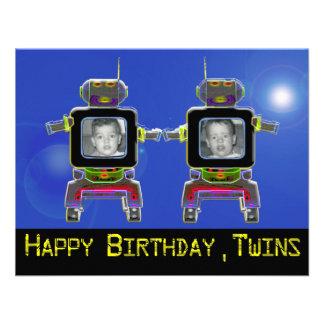 Os convites de festas de aniversários gêmeos do ro