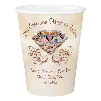 Os copos de papel do diamante cor-de-rosa lindo do