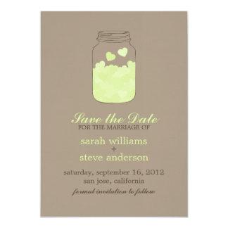 Os corações no casamento do frasco de pedreiro do convite personalizado
