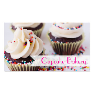Os cupcakes do chocolate polvilham o glacé da cartão de visita