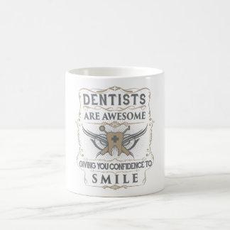 """Os """"dentistas são"""" caneca impressionante"""
