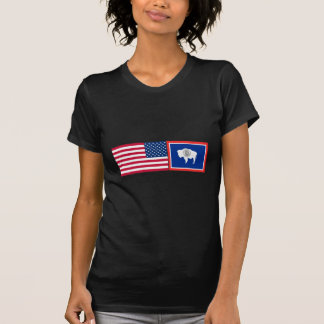 Os Estados Unidos & bandeiras de Wyoming T-shirts