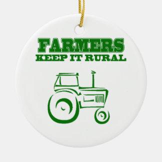 Os fazendeiros mantêm-no rural enfeites
