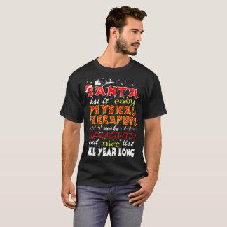 Os fisioterapeutas do papai noel fazem a camisa