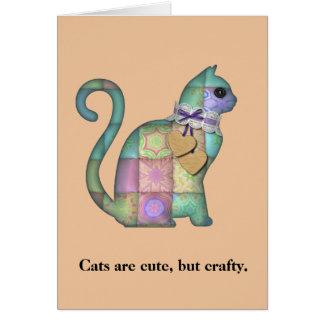 Os gatos espertos estofam o cartão de aniversário