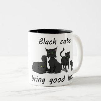 Os gatos pretos trazem a boa sorte! Caneca