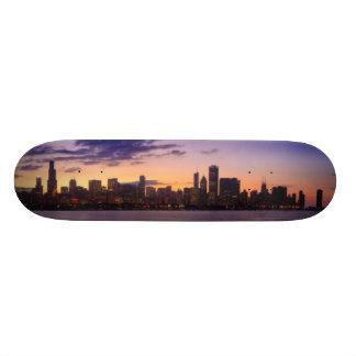 Os grupos do sol sobre a skyline de Chicago Shape De Skate 20cm