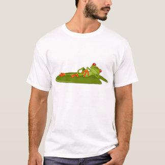 Os homens de modelagem do sapo (sapo de árvore) camisetas
