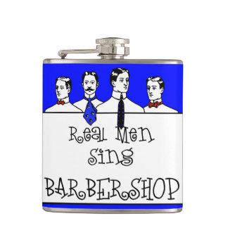 Os homens reais cantam o barbeiro cantil