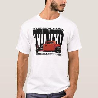 Os hot rod reais não são ajustados com camiseta