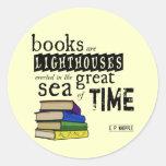 Os livros são faróis no grande mar do tempo adesivos redondos