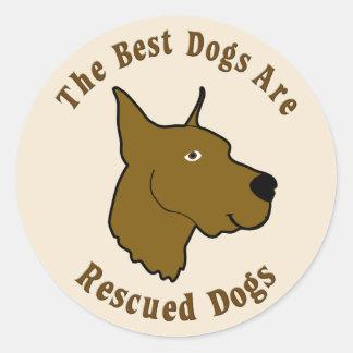 Os melhores cães são salvados - great dane adesivos redondos