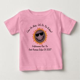 Os miúdos deixaram-nos fazer a camisa do eclipse -