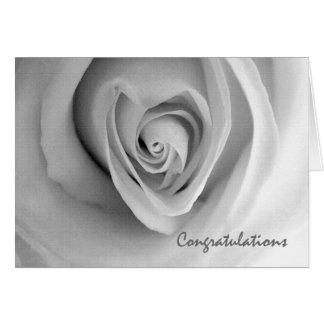 Os parabéns no noivado, coração dado forma aumenta cartoes